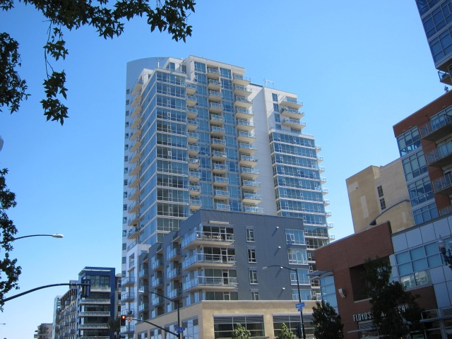 strata_for_rent_92101